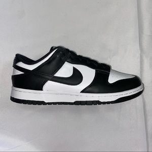 Women's Nike Dunk Low black and white 8.5W NEW